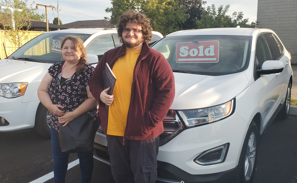 Dawn and Brodie were super happy to get approved for their car loan in Hamilton and pick up their new 2018 Ford Edge!