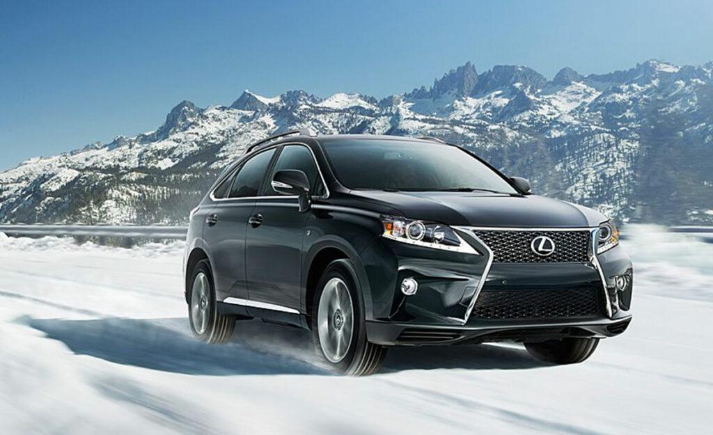lexus-driving-in-snow
